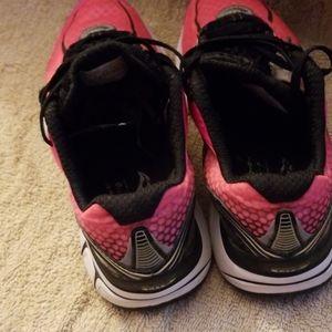 Saucony Shoes - Saucony Kinvara 2 Womens Sneakers